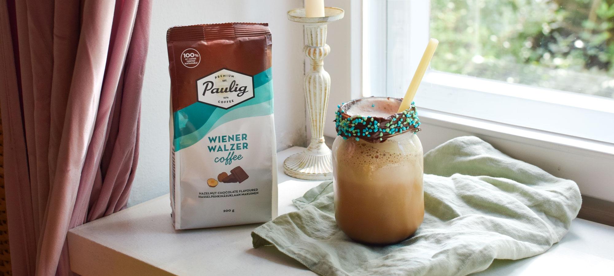 Suklaanougat frappe on ihana jälkiruokakahvi ja helppo valmistaa Wienerwalzer kahvista