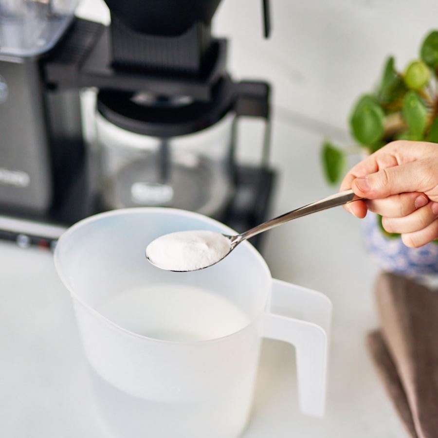 Kahvinkeittimen puhdistus onnistuu ruokasoodalla.