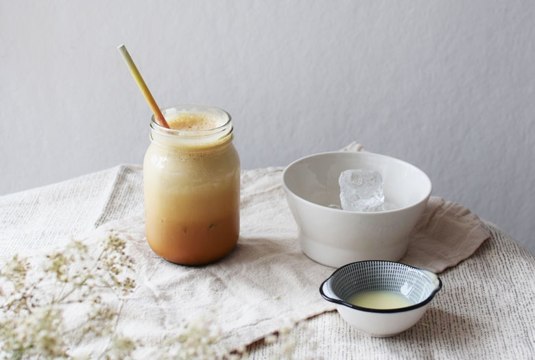 Frappe on jääkahvi joka valmistuu kahvista, jäistä ja kondensoidusta maidosta