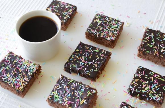 Mokkapalat maistuvat tummapaahtoisella kahvilla maustettuna