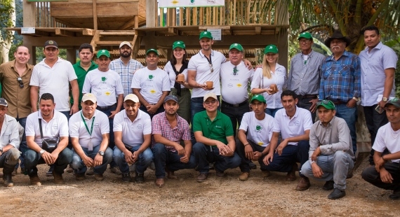 Onnellisten papujen matkassa Nicaraguassa
