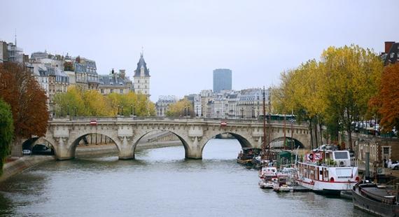 Pariisiin siivittävät kirjat ja elokuvat